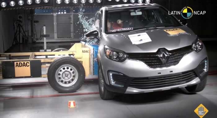 Renault Captur durante o teste de impacto lateral efetuado pela Latin NCap, organização que faz testes independentes de carros vendidos na América Latina