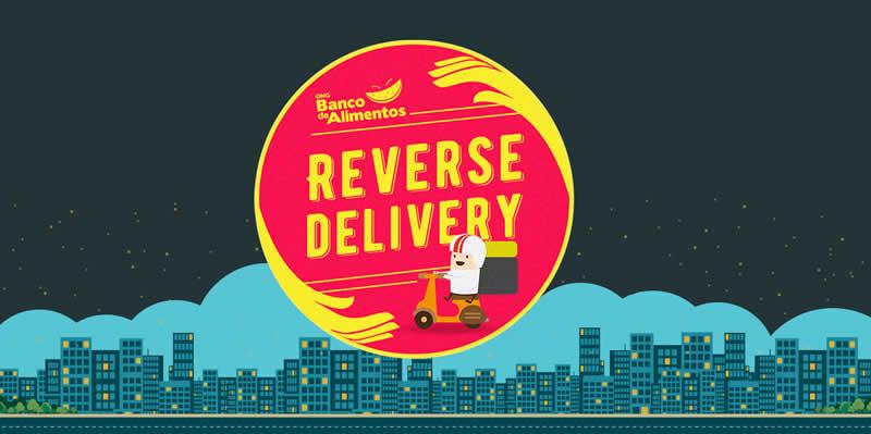 Em um fundo onde está o desenho de prédios de uma cidade debaixo de um céu estrelado, está o logotipo do Projeto Reverse Delivery da ONG Banco de Alimentos